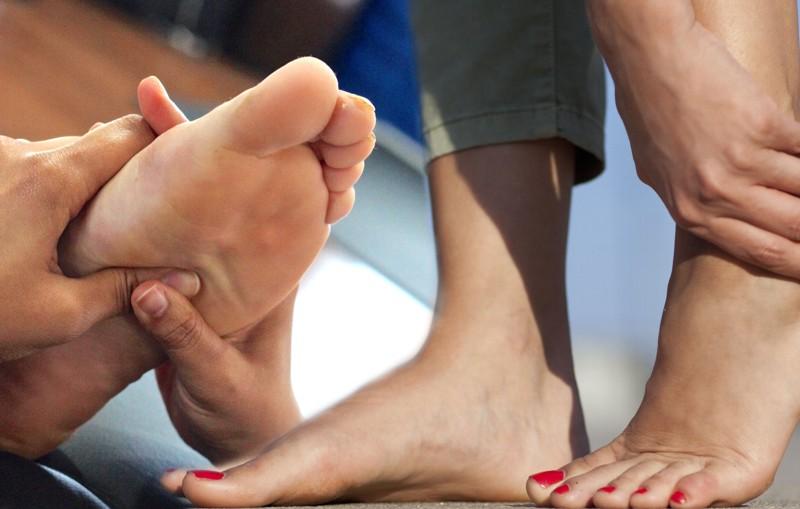 Por que se producen los callos en los pies y como se tratan