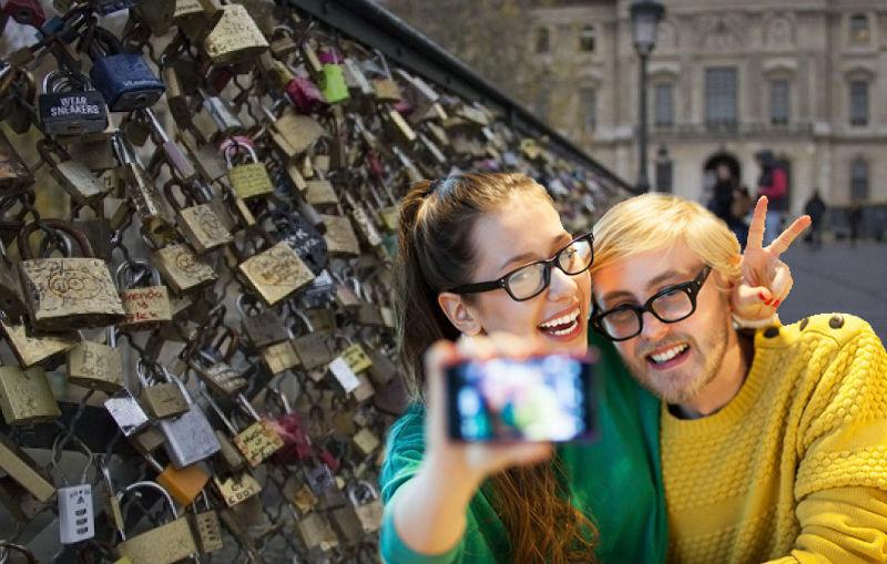 Cambiar los candados del amor por selfies