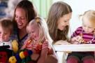 las ventajas de contratar una niñera
