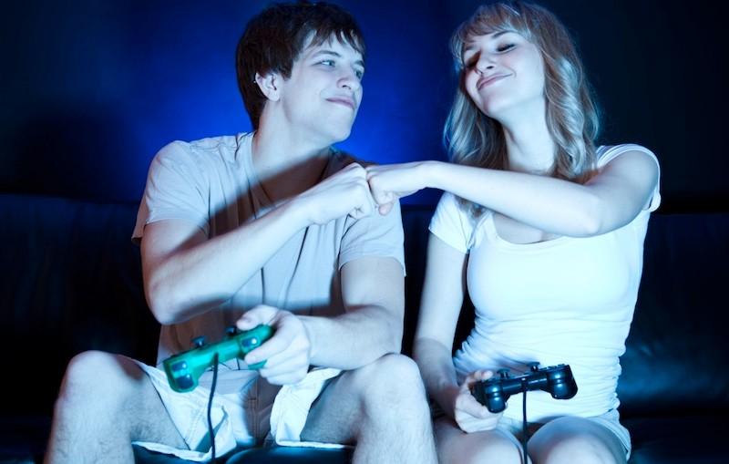Pareja y video juegos: como lidiar con ello